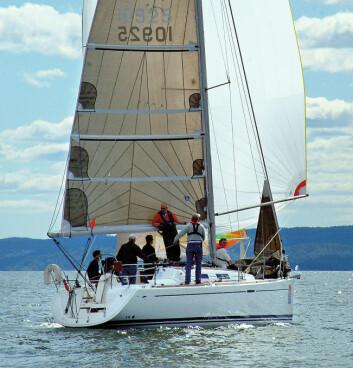 BRUKT: Dufour 34 Performance ble solgt i hopetall for 15 år siden. Nå er de blitt prisgunstige bruktbåter. Eiere deler sine erfaringer.
