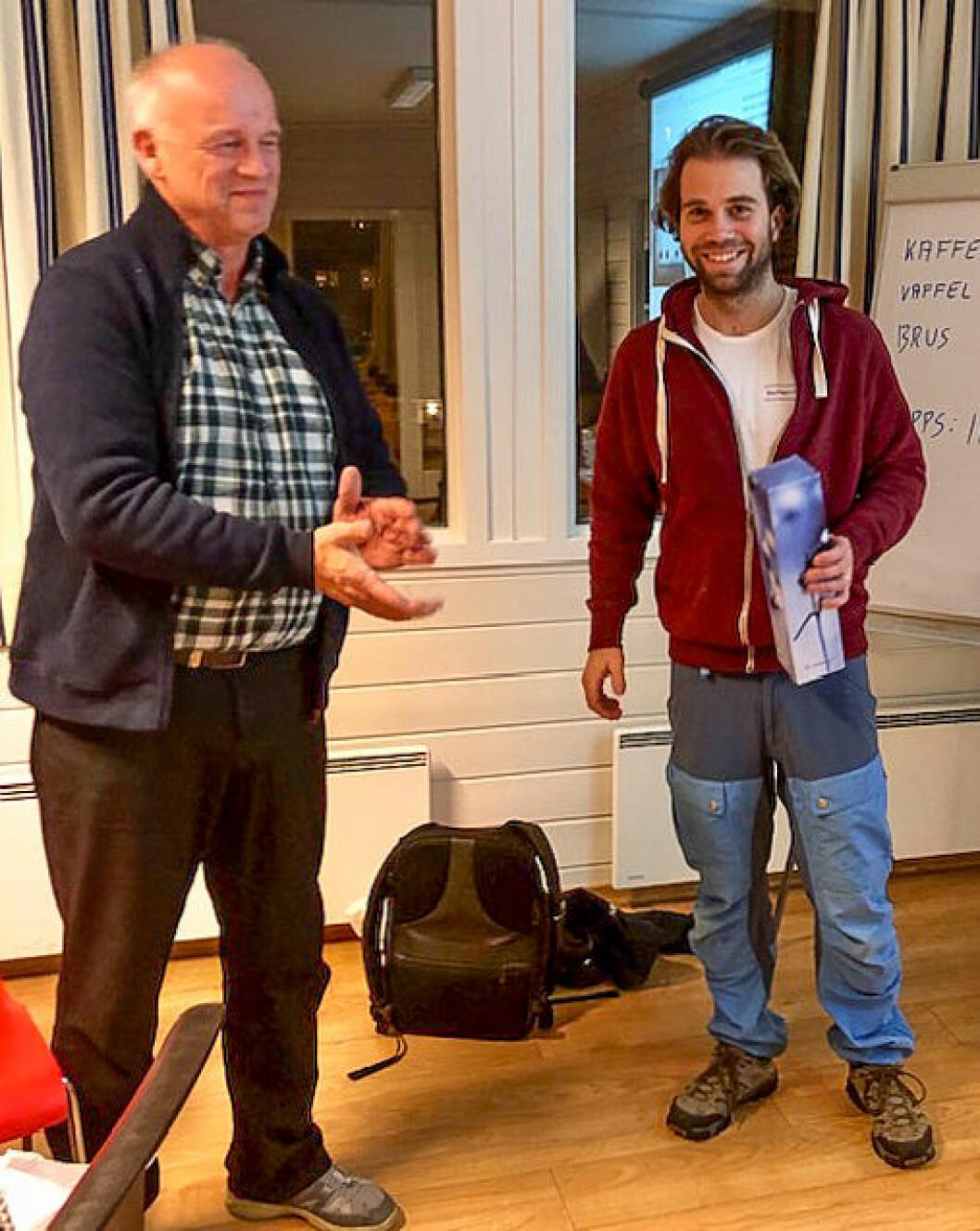 RIGG-SAMLING: Didrik Godaker fra Southern Cross (til høyre) sammen med Audun Gjøstein fra storbåtgruppen i Asker Seilforening.