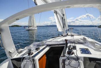 TEST: Seilas seilte Oceanis 41.1 og Dufour 412 rett før ferien. Testen finner du i siste utgave.