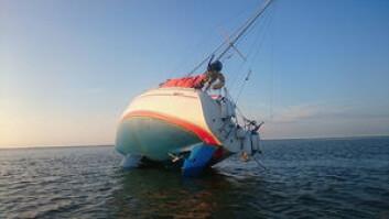 TØRT: Oda havnet på grunn mens vannstanden sank. Båten kom av grunnen, men hendelsen kan ha ført til motorproblemer.