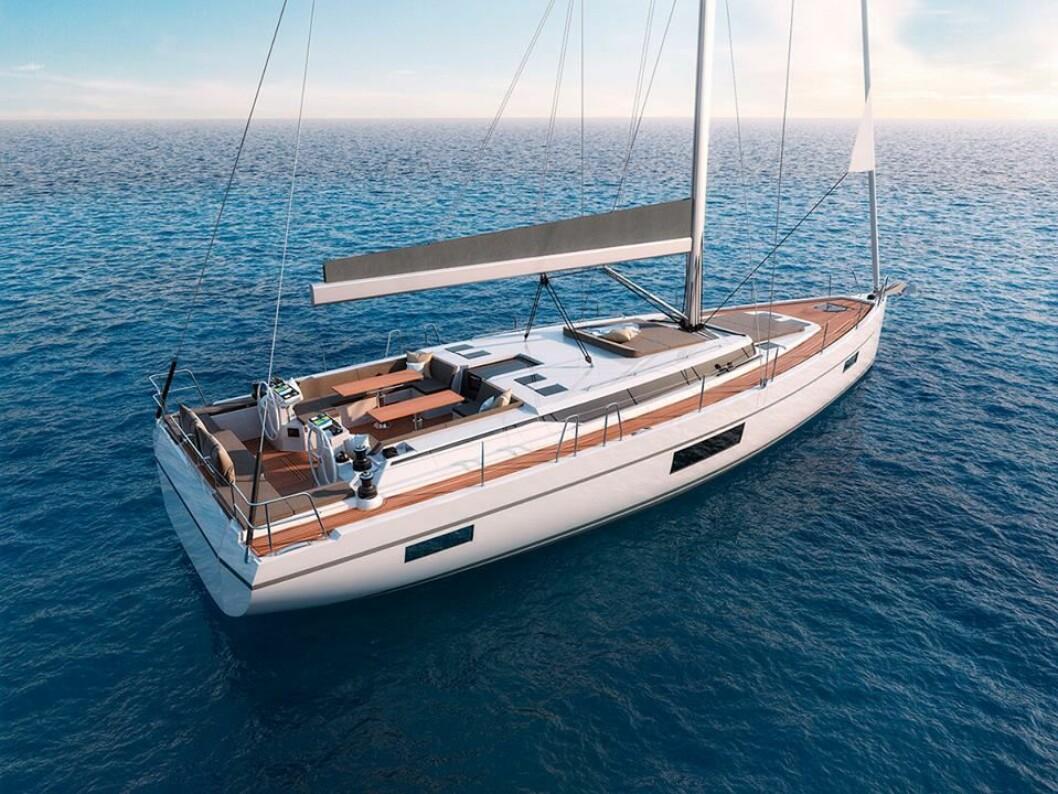 COCKPIT: Båten skal være enkel å håndtere. Vinsjene er flyttet bak til rormannen. Karmene er høye i fremre del av cockpiten.