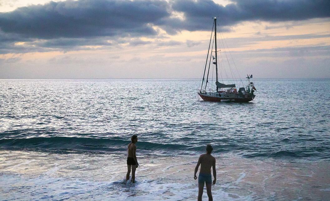 BADELIV: «Chilli» til ankers ved Kapp Verde utenfor Afrika.