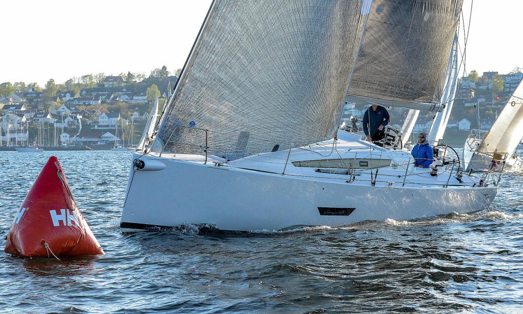 SKAGEN: Elan 400 først over linja under Skagen Race 2018. I år ser det ut til å bli enda flere båter i klassen.