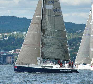 FARR: Petter Hegle seiler alene til Skagen i sin Farr 395, en lettbygget regattabåt med karbonmast.
