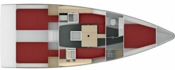 INNREDNING: Det er spart vekt under dekk, men båten byr på komfortable funksjoner.