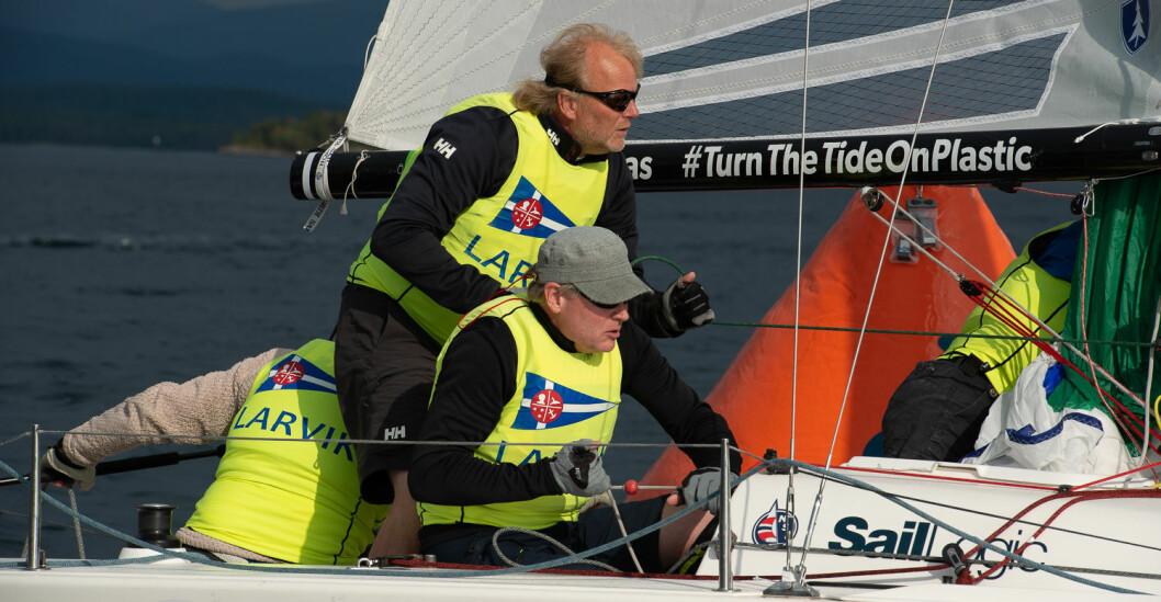 130 ÅR: Mens Larvik Seilforening feirer sine 130 år i Viksfjord, blir foreningens deltagelse i Sailing Champions League vist på storskjerm.