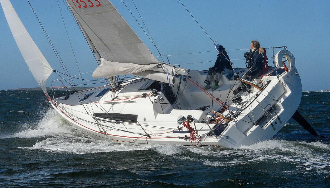 SKADER: Cruella deVil står skadet på slippen, men skipper Eira Naustvik skal seile TwoStar i en annen båt allerede neste helg.