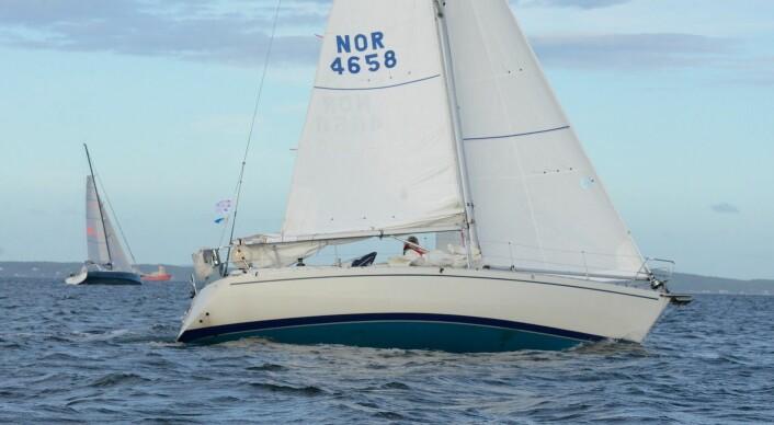 LITEN: Albin Nova er 33 fot og ble bygget på 80-tallet.