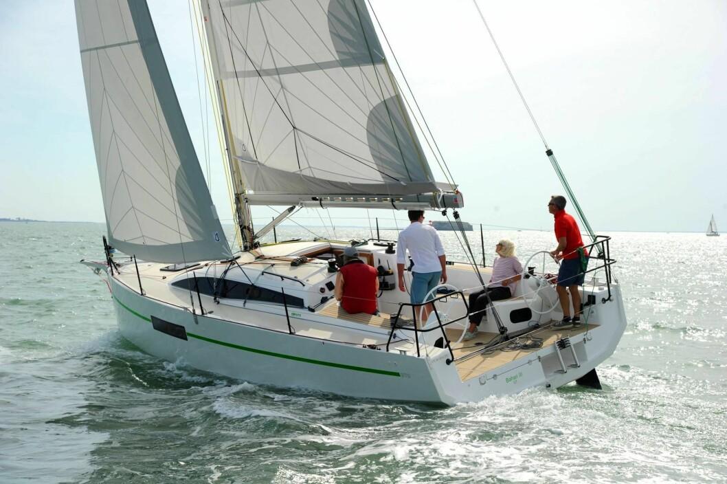 TEST: La Rochelle skal 17 båter vurderes. RM 970 er en av dem. Båten blir bygget i La Rochelle