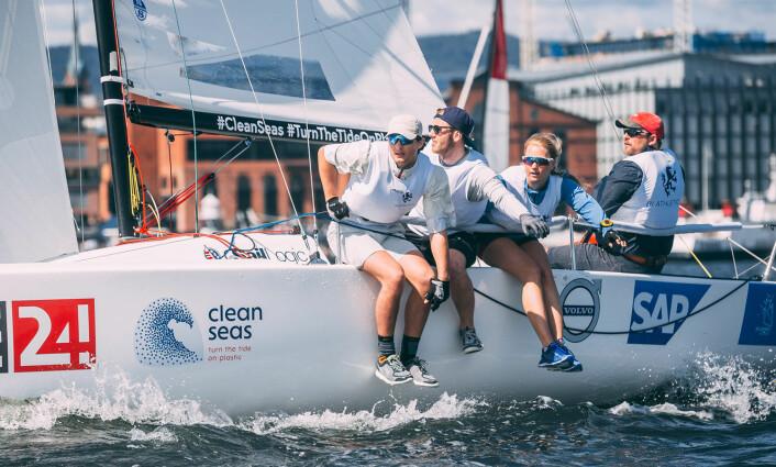 FJERDE: BI Athletics seilte seg til 4. plass og ligger etter første runde i elitserien i posisjon til å ta en plass i Sailing Champions League.