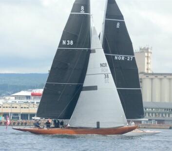 DUELL: 8 mR «Wanda» og «If» kan bli de første båtene inn til Tønsberg.