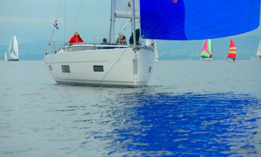TURGLEDE: Are Wiig rorer Bavaria C45 i TurGlede-klassen i Færdern.