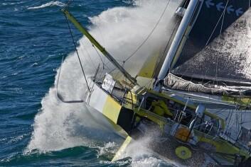 FLYR: Pieter Heerema forteller at han må krabbe rundt om bord i båten under slike forhold.