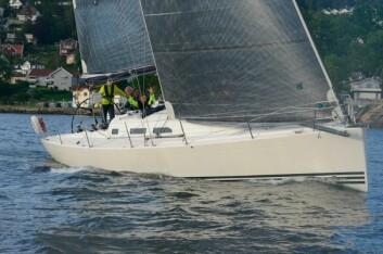 X41: «Sval», med Håvard Dale som skipper ligger langt fremme.