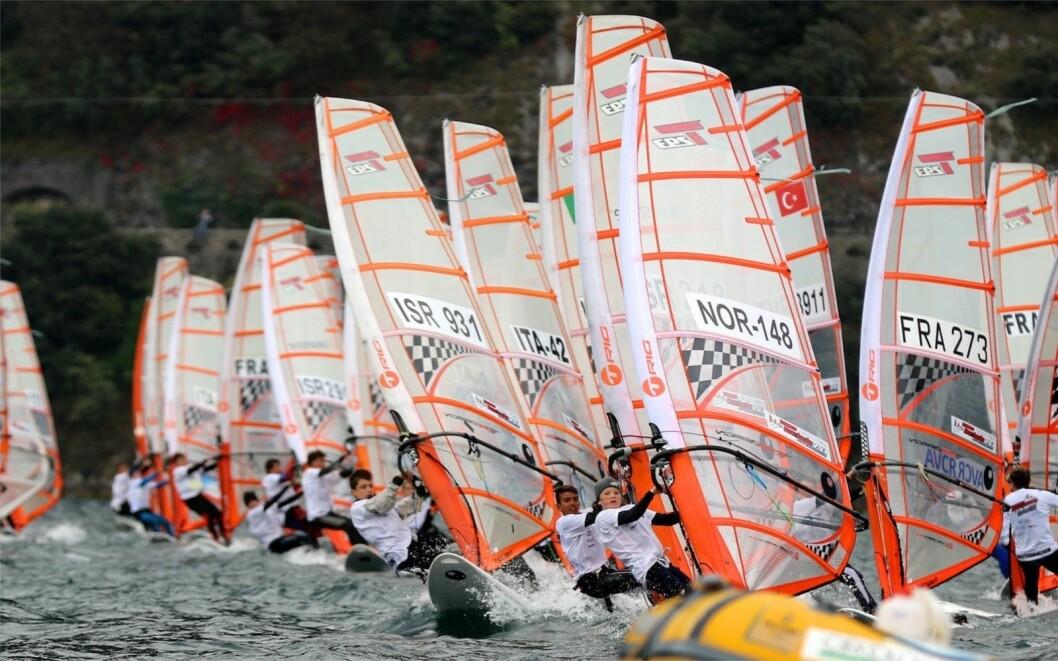 VM: Nesten 500 seilere deltar i VM for Bic fordelt på sek klasser.