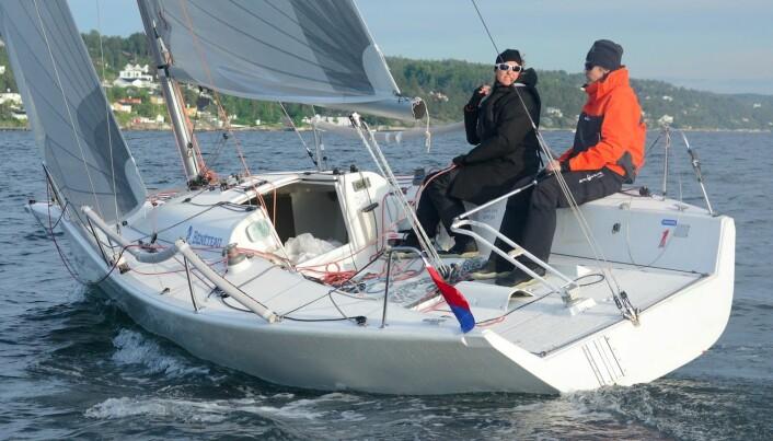 SHORTHANDED: Ole Aabel og «Will», en Platu 25 har seilt godt i klassen srom rundet Hollenderboen.