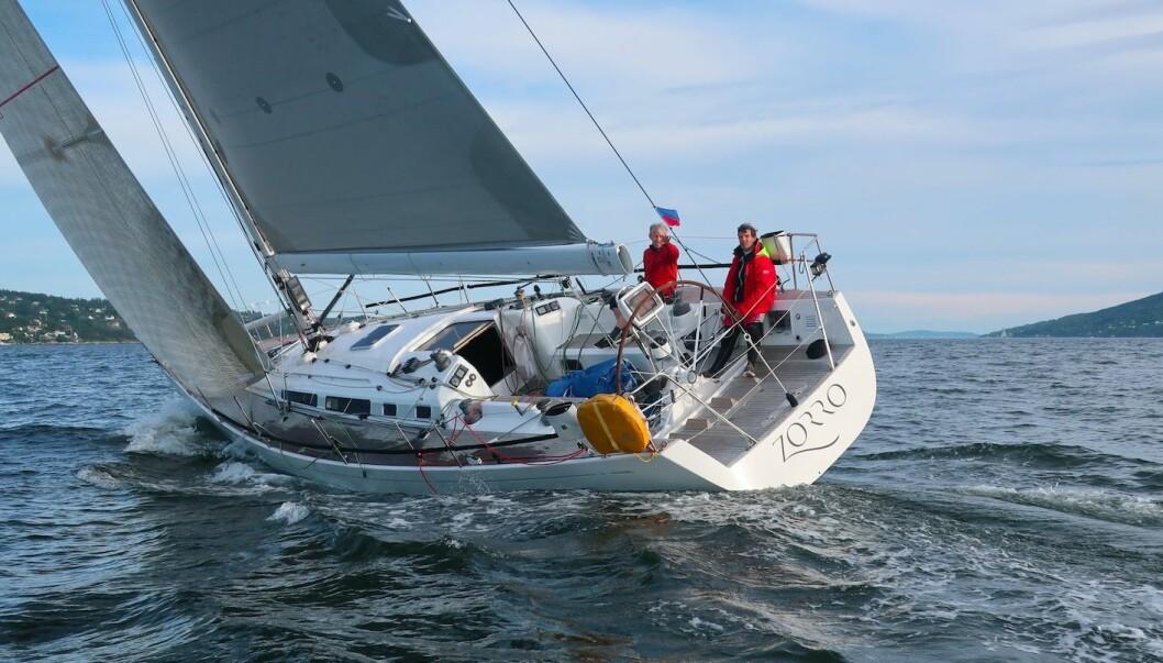 FØRST: FØRST: Swan 45 OD-en «Zorro» var første båt i mål, og best på korrigert tid.