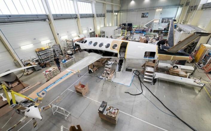KARBON: Flyet er bygget som en avansert regattamaskin, for å være lett og sterk.