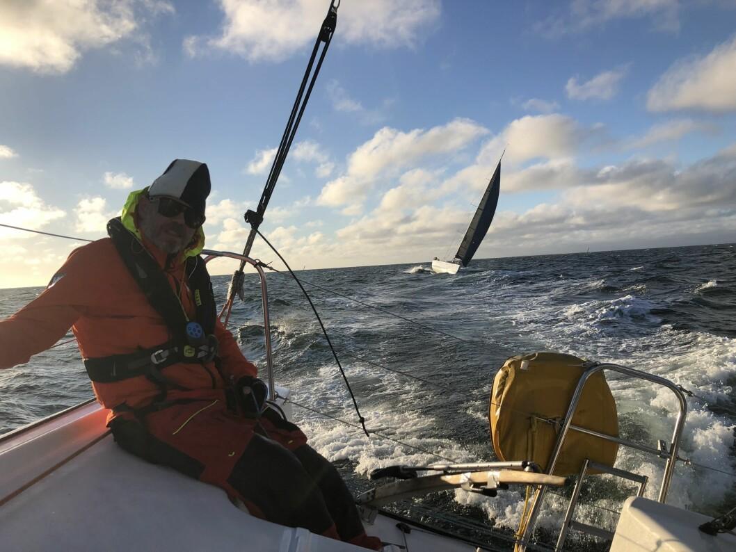 FART: «Black Pearl» plukket konkurrentene sørover langs svenskekysten, og passerer her «Jokerman».