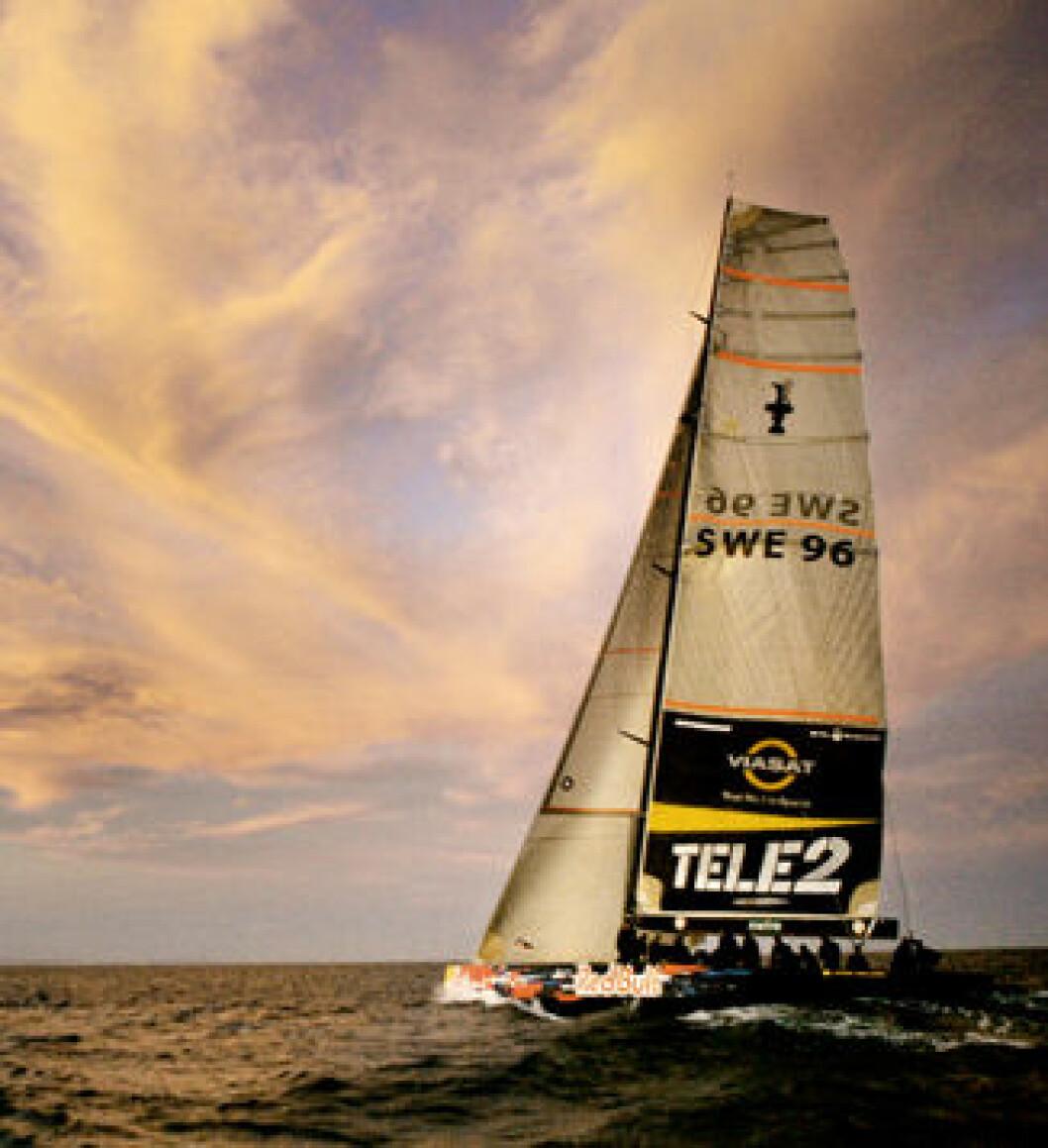 Svenskene igang med tobåtstrening i Valencia