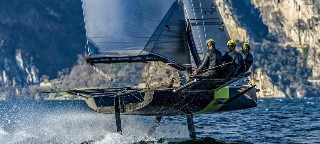 OL-vinner bak ny båt med foiler