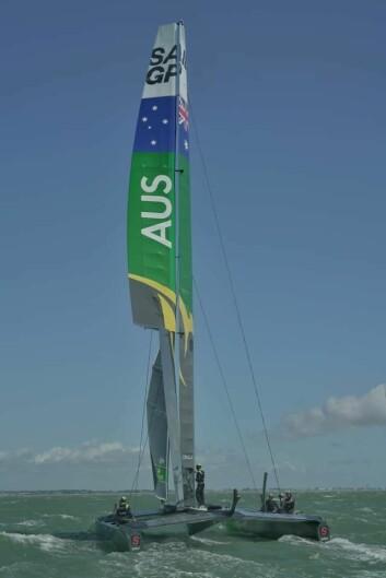 SKADET: Oppkjøringen før helgens regatta ble ødelagt av en skadet vingmast for Australia.