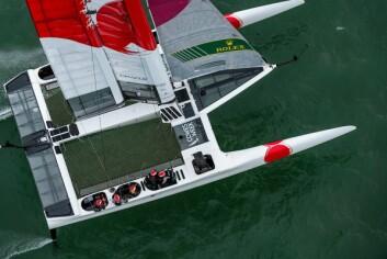 ANDRE: Japan hang ikke med i Cowes, og startet seilasene med skadet båt.