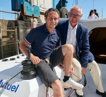 TALLENT: Ian Lipinski sammen med sponsoren i den nye båten.