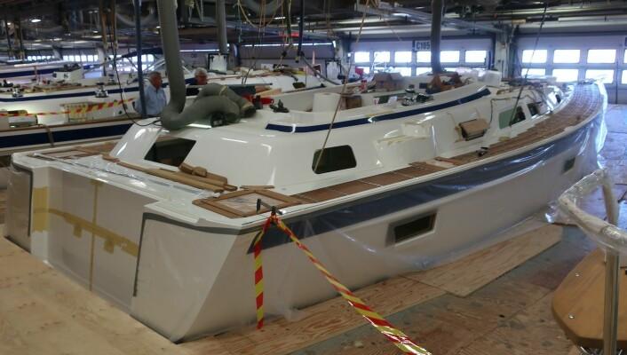 VERFT: Nyheten til Hallberg-Rassy stod innendørs. 40-foteren skal seile i desember.