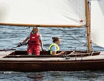 Nina Gresvig og Hanne Naas vant populær jenteseilas i Risør