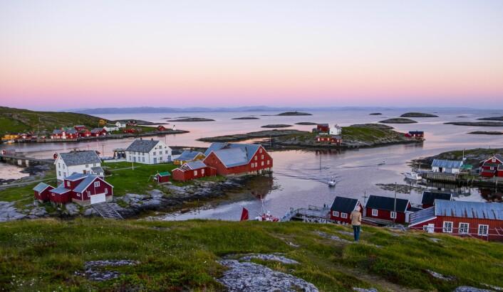 SØR-GJÆSLINGAN: Fiskeværet Sør-Gjæslingan sør for Rørvik har vært et av de største fiskeværene sør for Lofoten. Nå er fiskeværet fredet og ligger som et bilde av en tid som var.