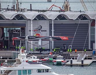 New Zealands America's Cup-båt klar til sjøsetting