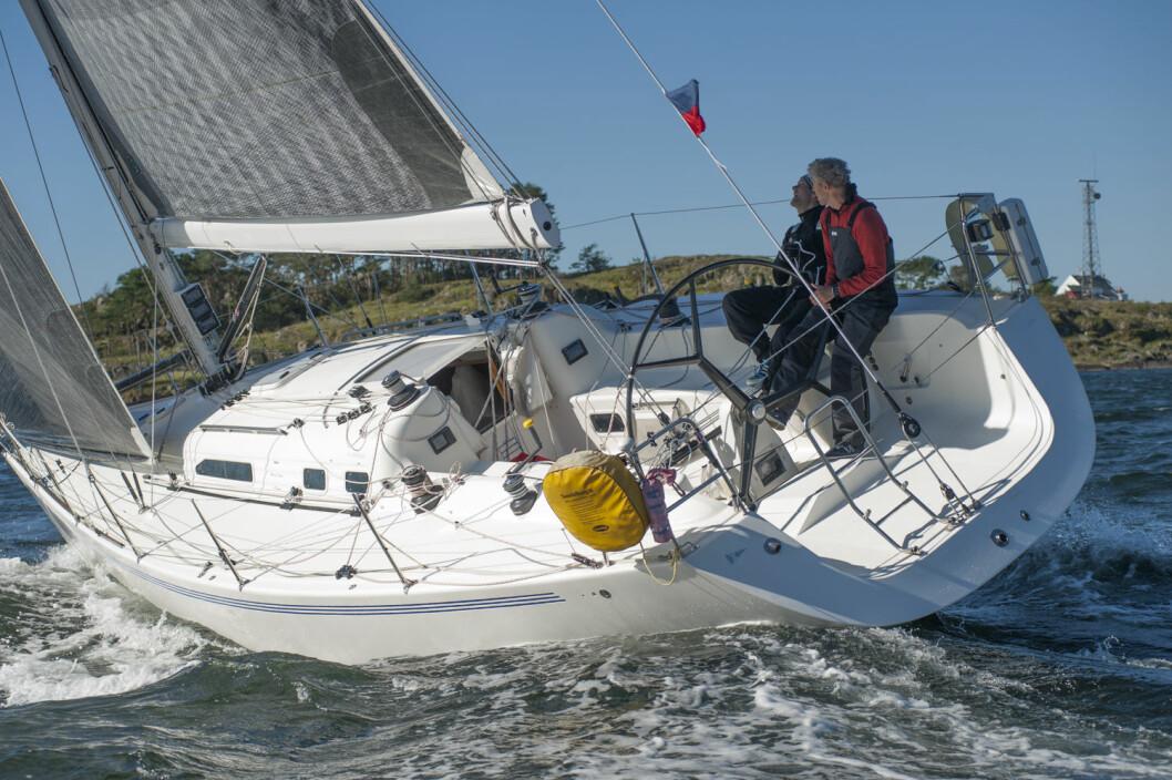 UTFORDRERE: Thomas Robberstad og Tor Haugen er utfordrere om tittelen Årets Shorthanded-seiler ? om de stiller opp i årets siste regattaer.