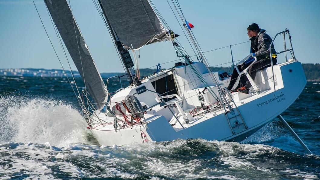 HURUM: Hurum-seilerne stiller sterkt på Nesodden og kan hale innpå Bærum. Colin og Edvard Campbell er blant Hurum-seilerne der.