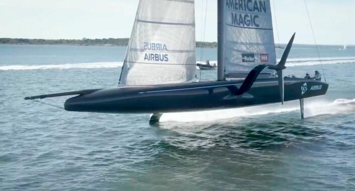 AC75: «Defiant» er de første båten i den nye typen som skal brukes i America's Cup, foilende enskrogsbåer.