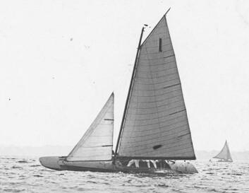 SCOW: J.O. Johnson utviklet skroget som lå oppå vannet, i stedet for å gå gjennom vannet for over 120 år siden.
