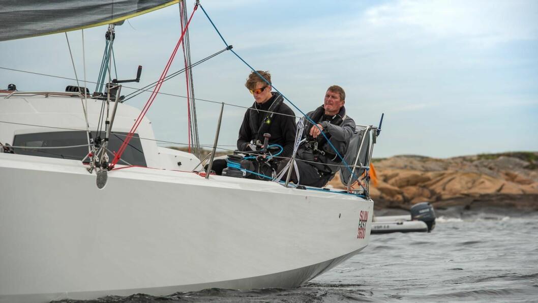 SLUTTSPURT: Edward og Colin Campbell var med på å sikre Hurum Seilforening tittelen Årets Shorthanded-forening i årets siste regatta.