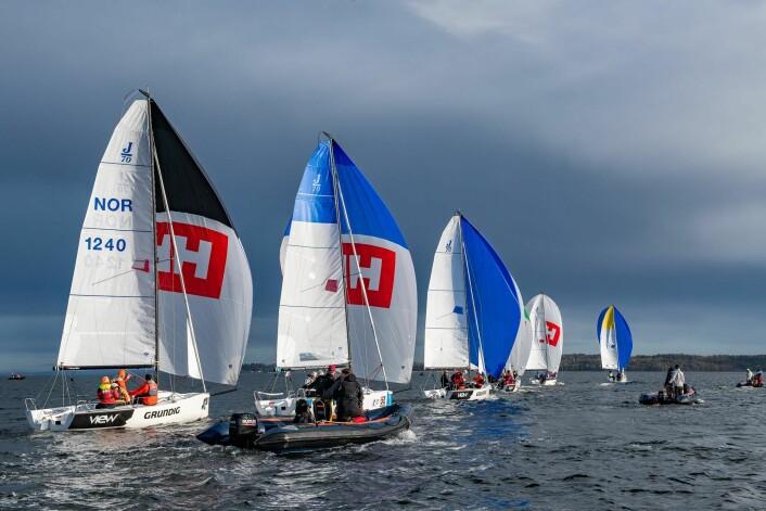 STRÅLENDE FORHOLD: Man er heldig som får slike værog vindforhold en regattadag midt i oktober!