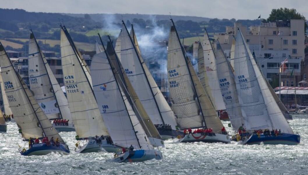 KRYSS: Rekordstort felt av båter skal krysse seg ut av den Engelske kanal på søndag.