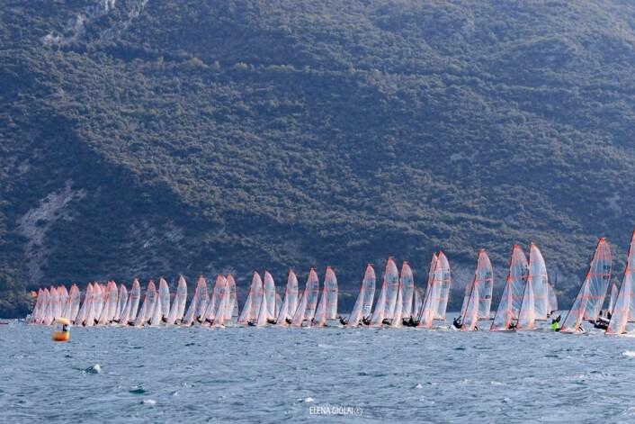 29er start i EuroCup på Gardasjøen. Foto Elena Giolai