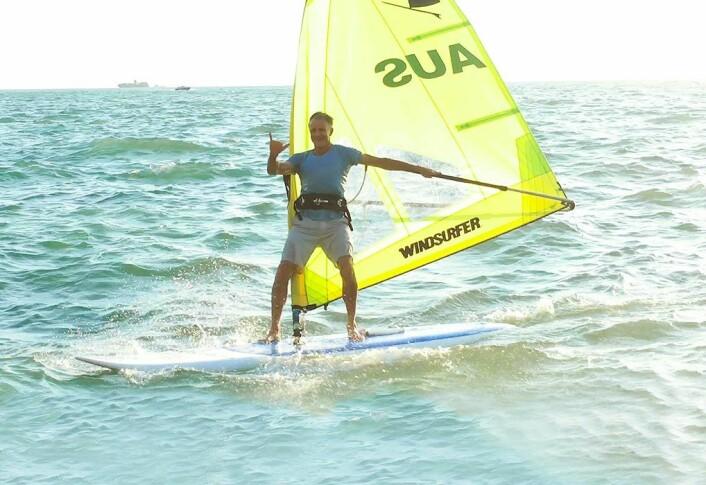 TILBAKE: Svein Rasmussen fronter også Windsurfer LT med Starboard-logo. Han startet sin karriere med original windsurfer.
