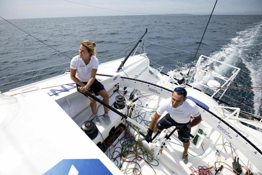 DUO: Clarisse Crémer og Armel Le Cleac?h imponerer i Transat Jacques Vabre og seiler styggfort i båt fra 2011.