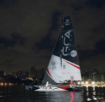 RASKEST: Groupe GCA med Gilles Lamire og Antoine Carpentier vant Multi 50 -klassen hvor bare tre båter fullfører.