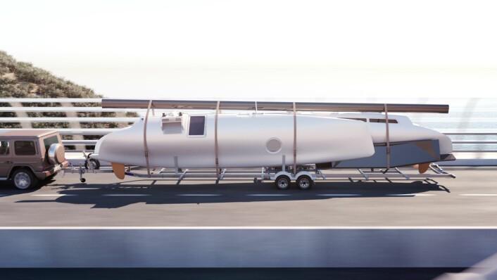 TRAILBAR: Katamaranen kan trekkes bak en kraftig bil.