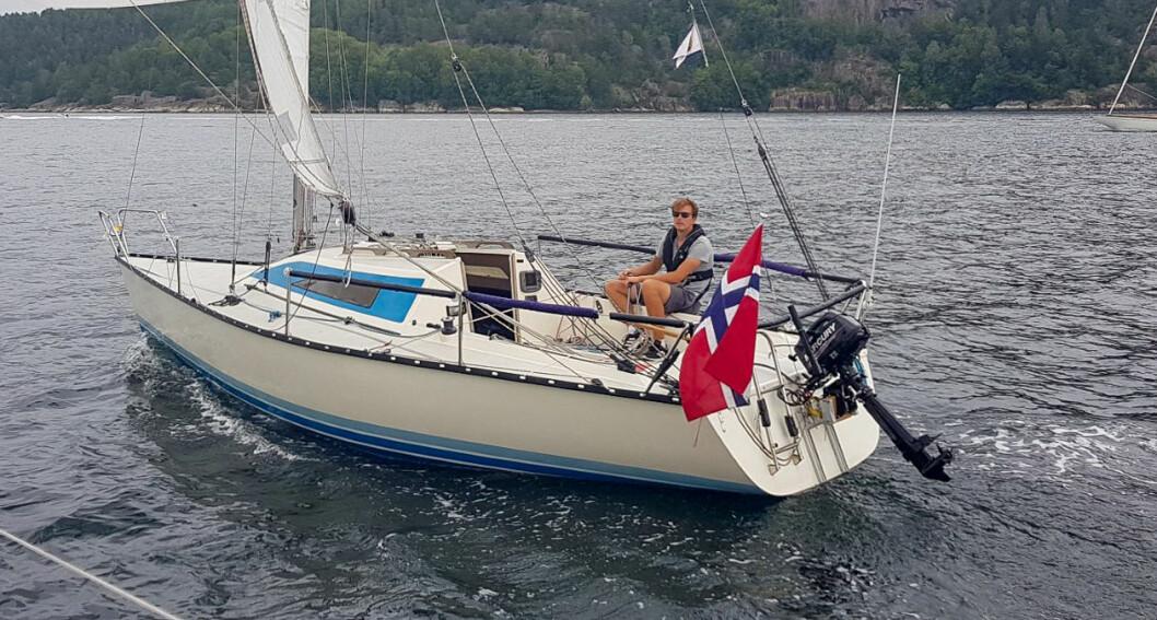 SINGLEHANDED: Sindre Bakke (22) seilte den danske shorthandedregattaen Silverrudder i høst.