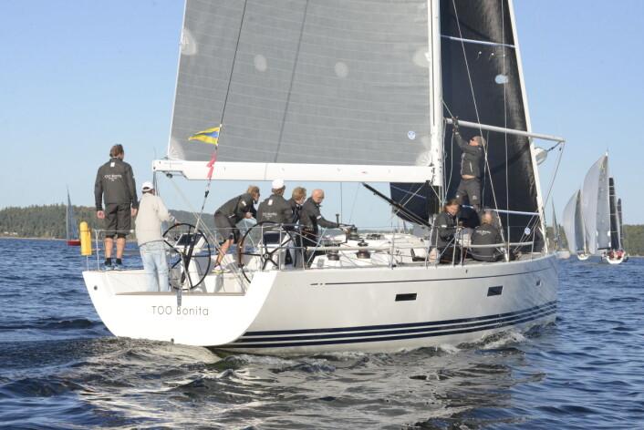 REGATTA: Ambassadør Kenneth J. Braithwaite seilte Færderseilasen om bord på «Too Bonita» i 2018.