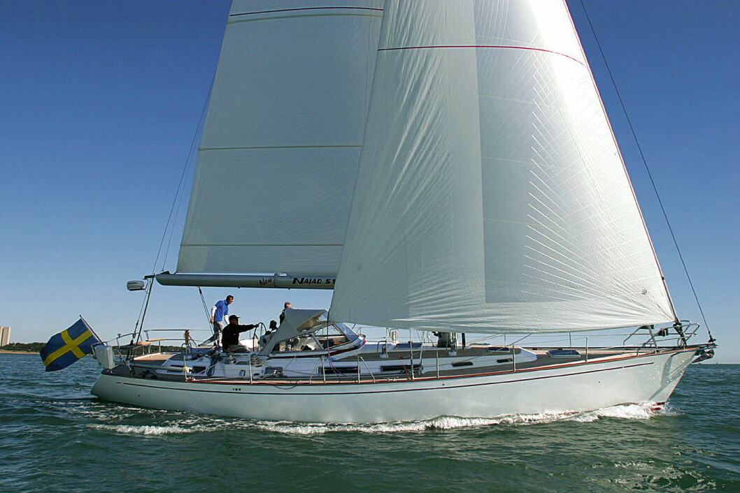 RASK: Najad 511 er en milsluker under seil. Båten ble testet ut fra Southampton høsten 2003.
