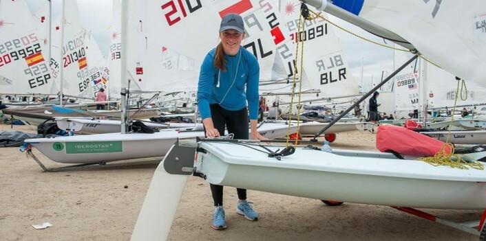 OL: Caroline Rosmo drar til Australia i happens om å bli få plass på OL-laget i Laser Radial.