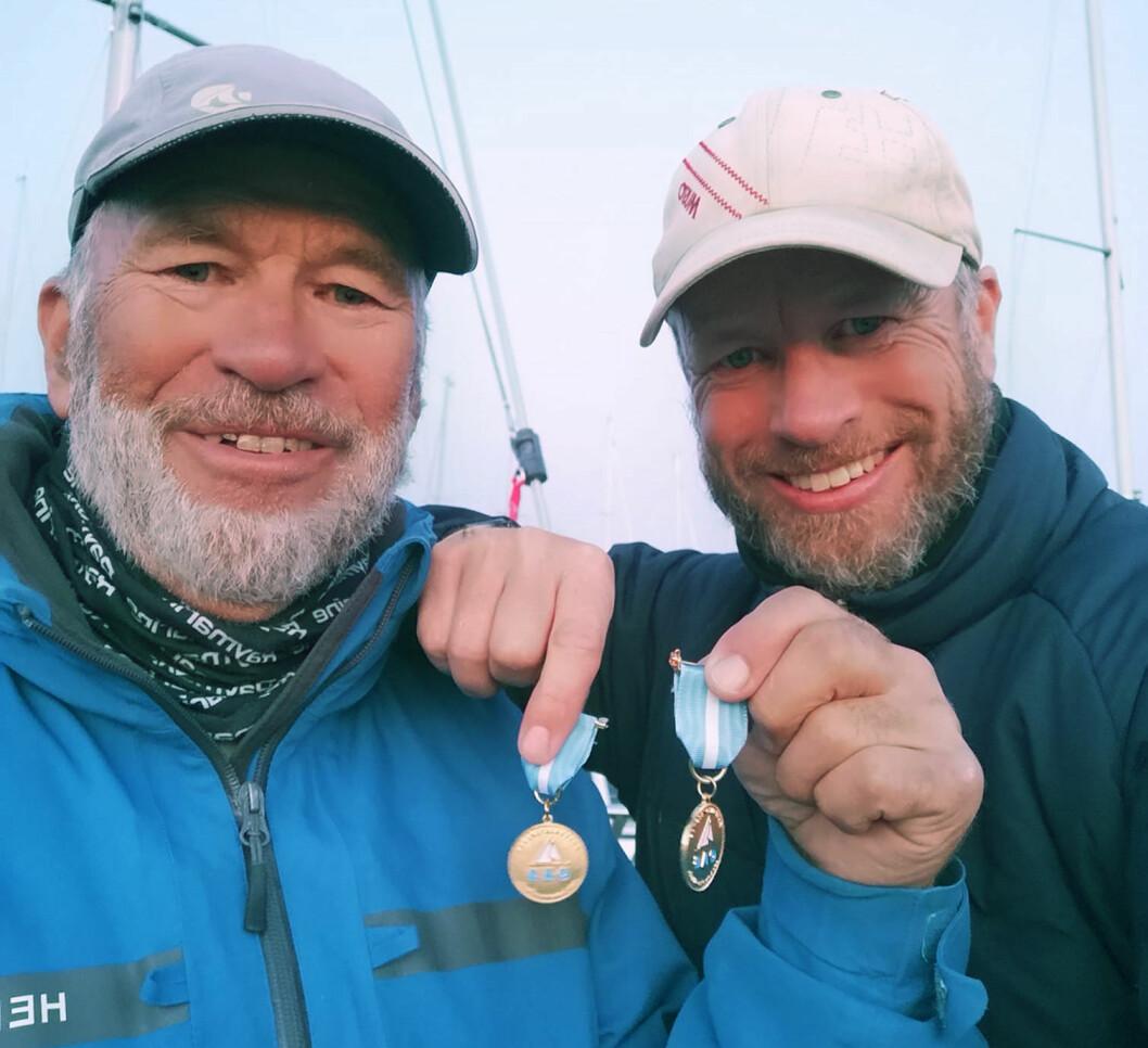 PÅ TOPP: Yngve Lønmo (t.h.) går inn i det nye året på toppen av SEILMagasinets shorthanded-ranking. Pappa Asbjørn ligger på 5. plass.