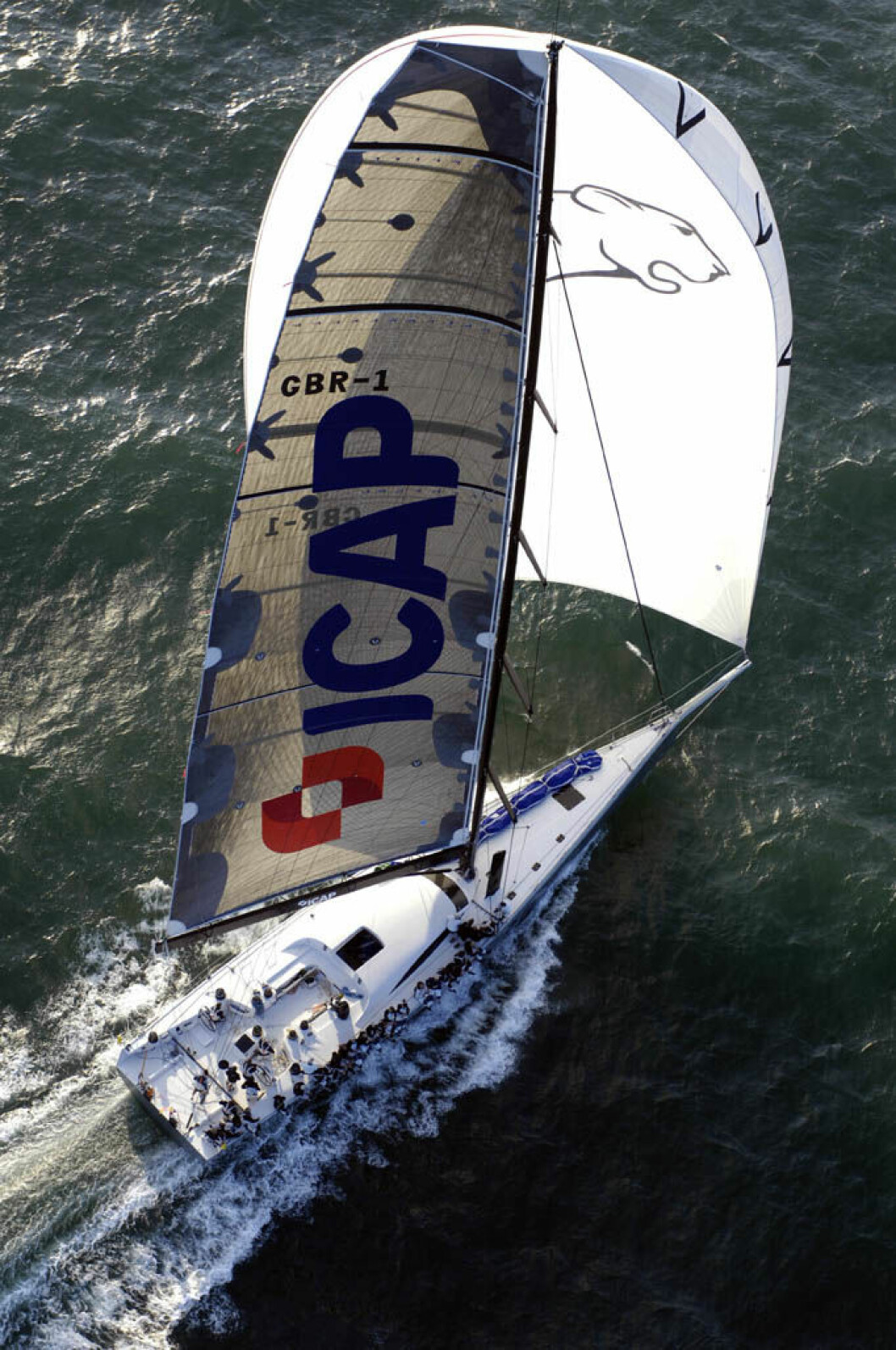 June 23 2007 - JP Morgan Round the Island Race from Cowes  - Isle of Wight.1753 Yachts take part in the annual race around the Isle of WightThe new Farr 100 ICAP Leopard first monohull to finish